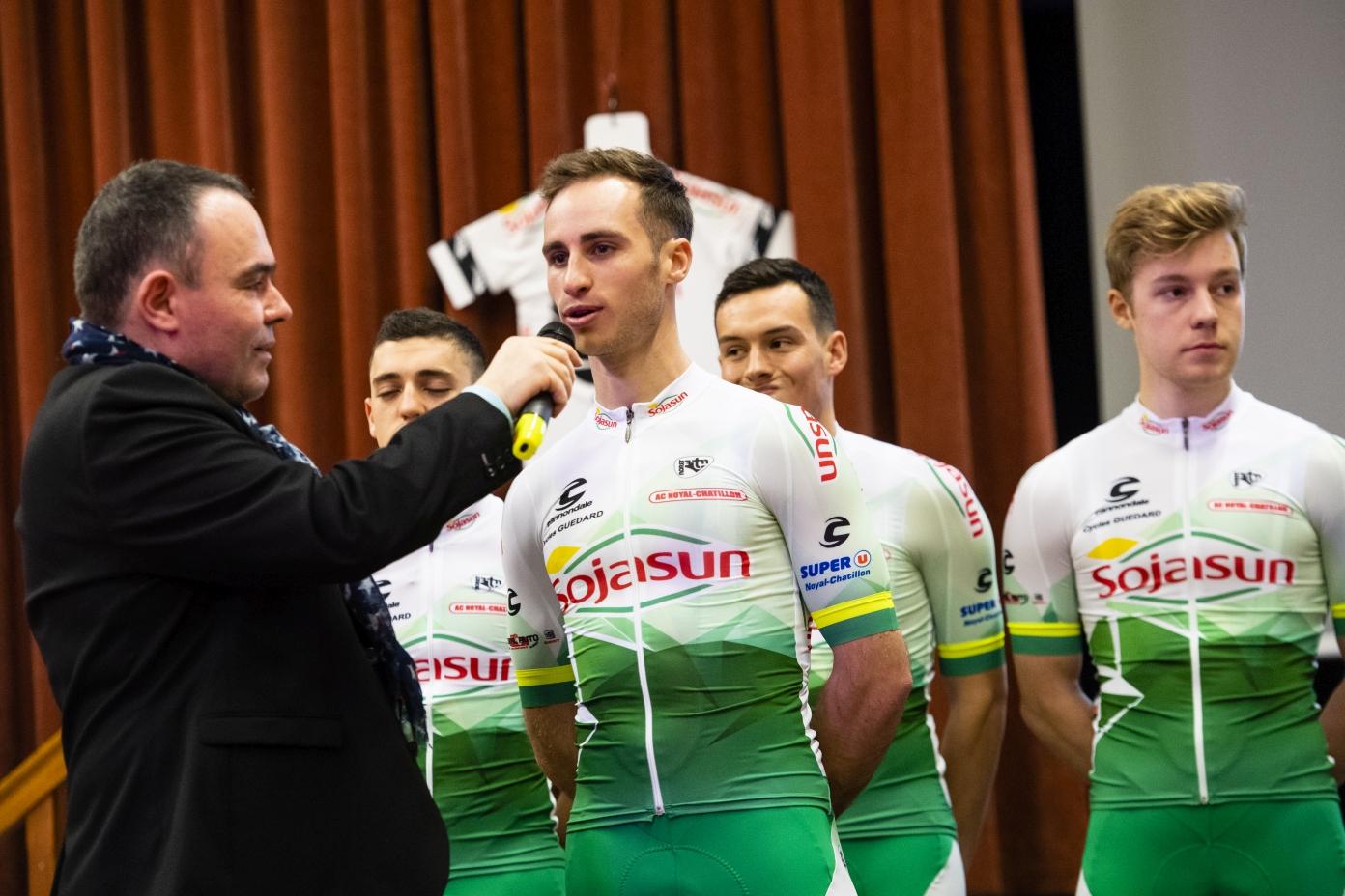 PRESENTATION DE L'EQUIPE CYCLISTE DE DN1 SOJASUN ESPOIR ACNC. NOYAL-CHATILLON SUR SEICHE, FRANCE, LE 18 JANVIER 2019.