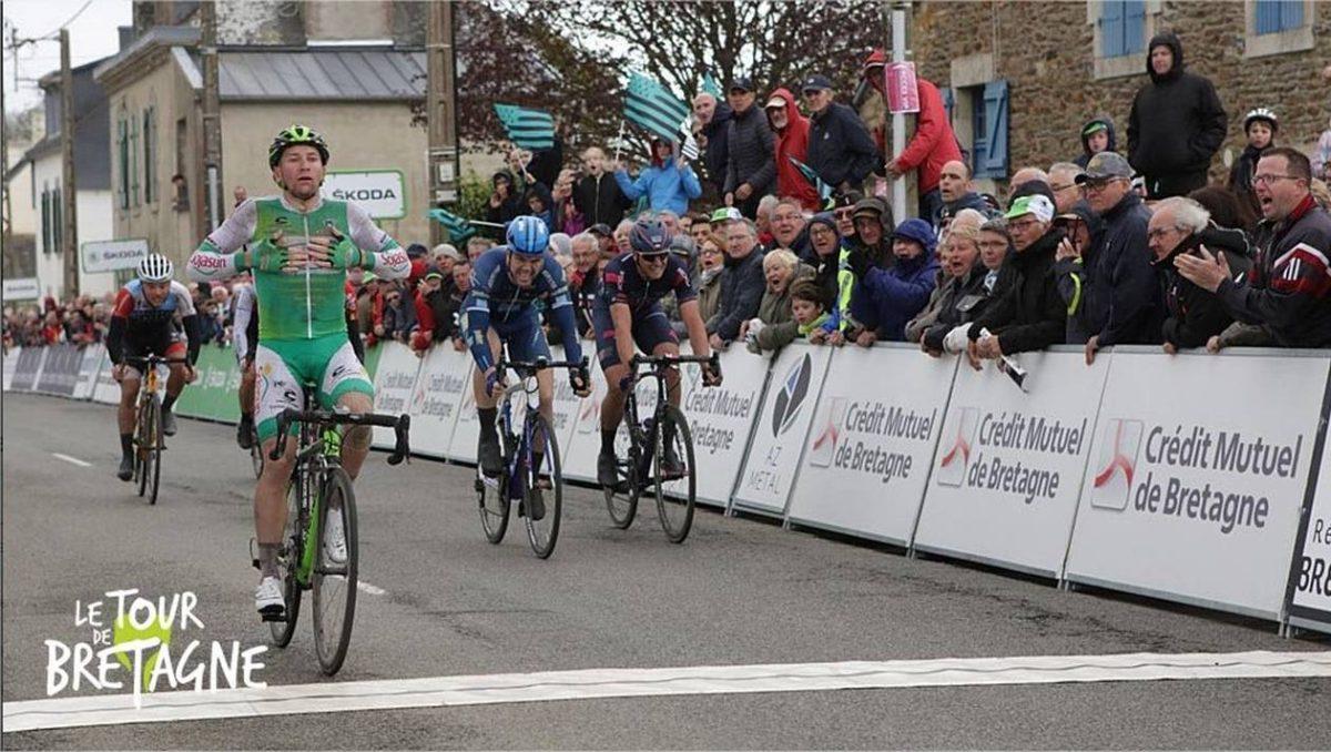 Tony Hurel gagne la 3ième étape du Tour de Bretagne